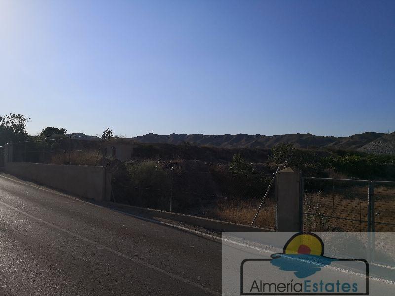 Venta de terreno en Arboleas