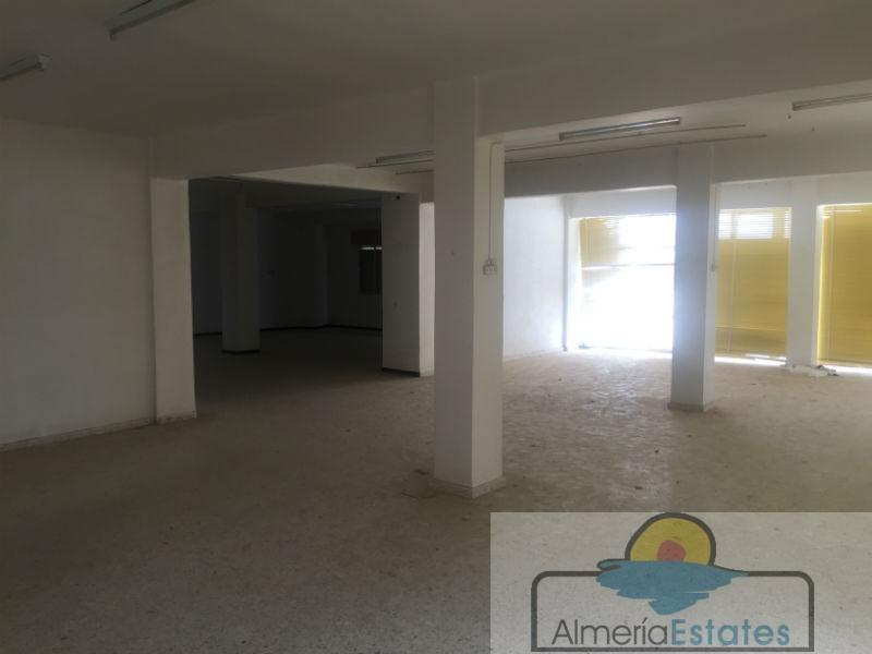 Venta de edificio en Vélez-Rubio