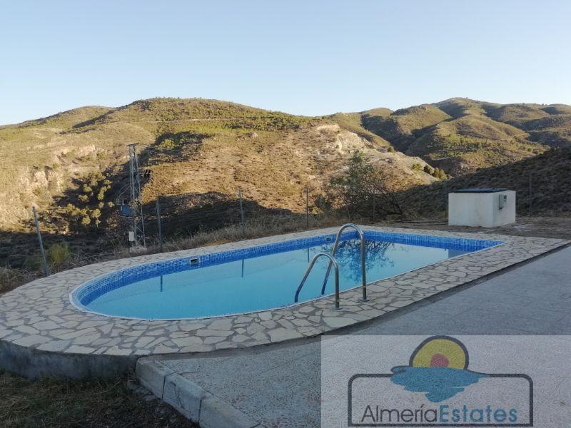 For sale of villa in Líjar