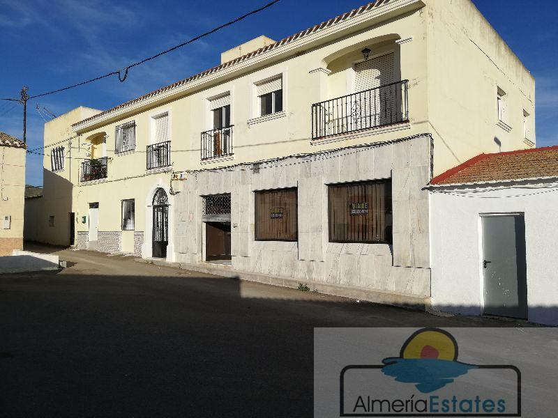 For rent of commercial in Huércal-Overa