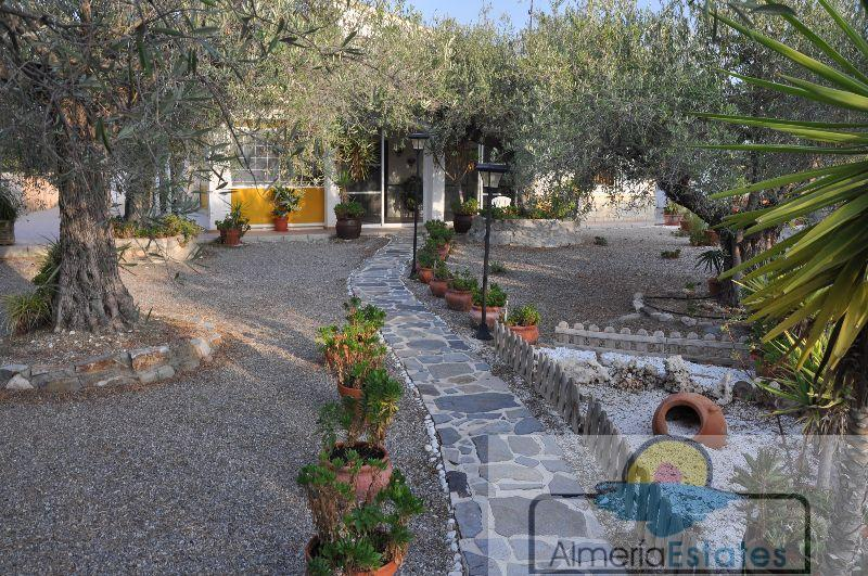 Venta de villa en Cantoria