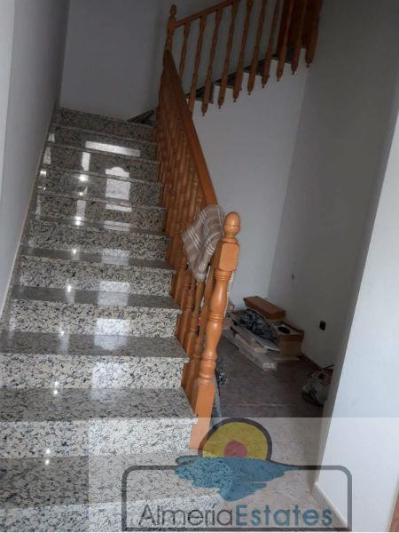 For sale of house in María