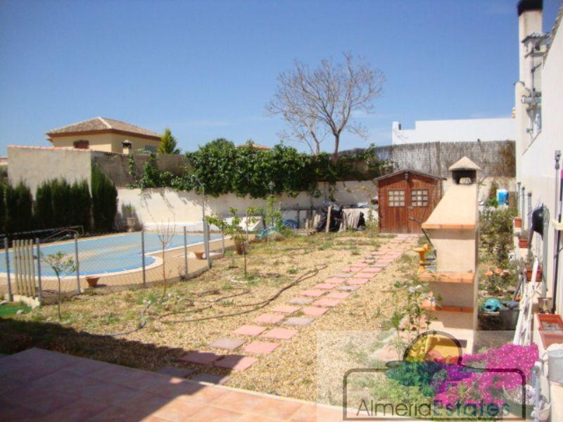 For sale of villa in Arboleas