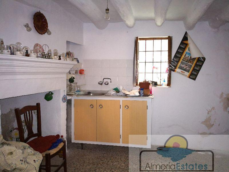 For sale of house in Somontín