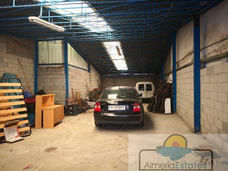 Venta de garaje en Fines