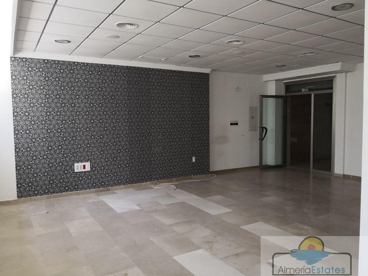 For rent of commercial in Arboleas