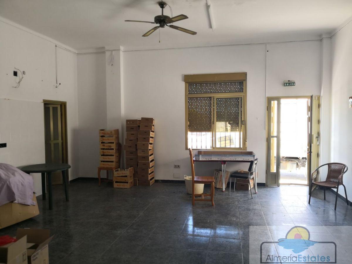 Alquiler de local comercial en Arboleas