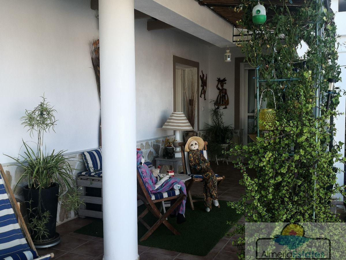 Venta de villa en Zurgena