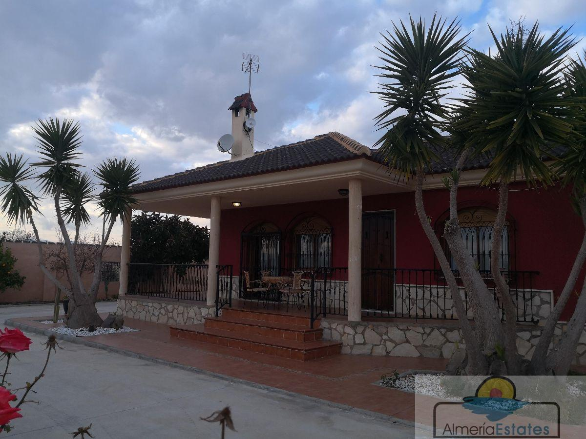 For sale of villa in Albox