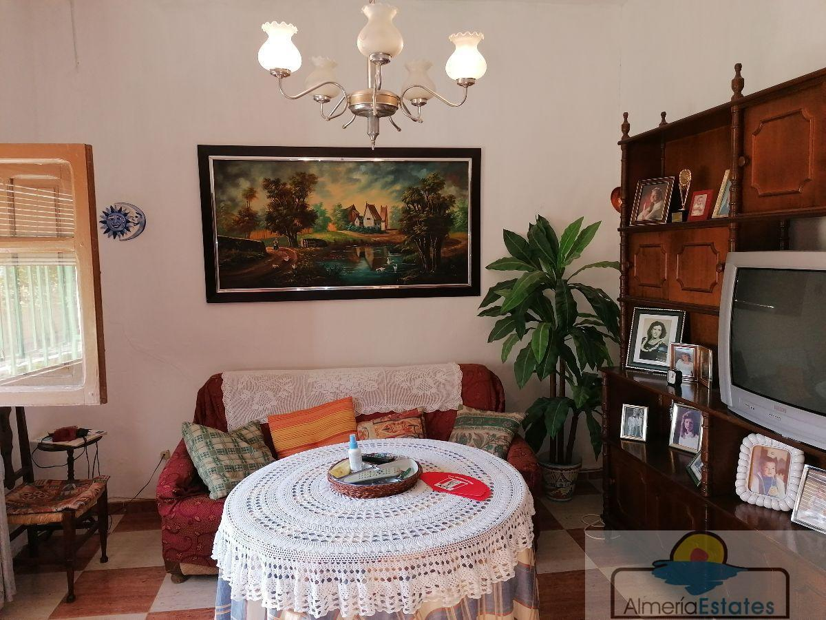 For sale of house in Zurgena
