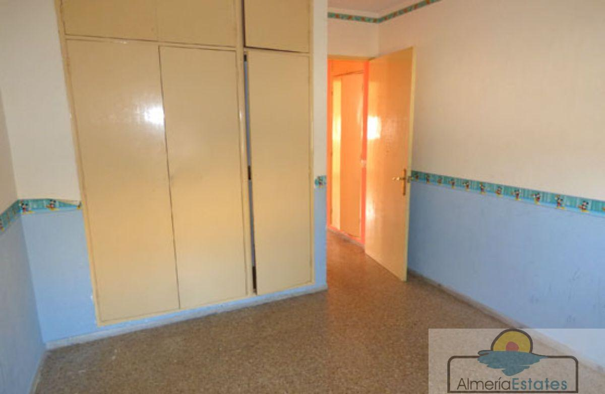For sale of flat in Fines