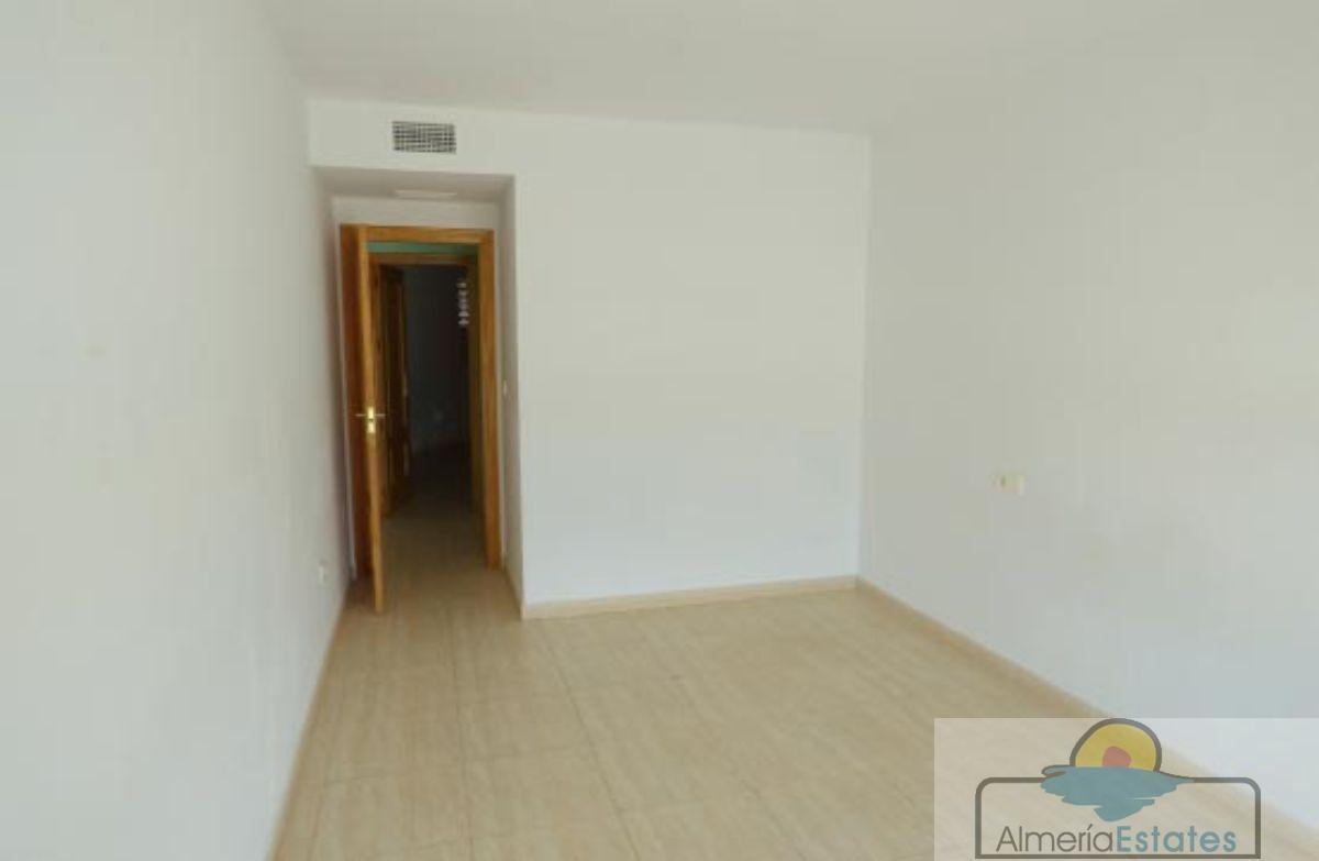 Venta de piso en Zurgena