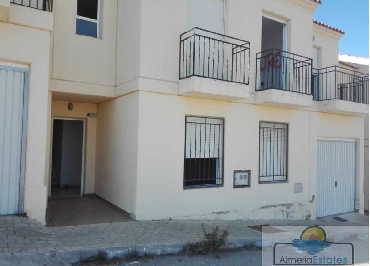 For sale of house in Arboleas
