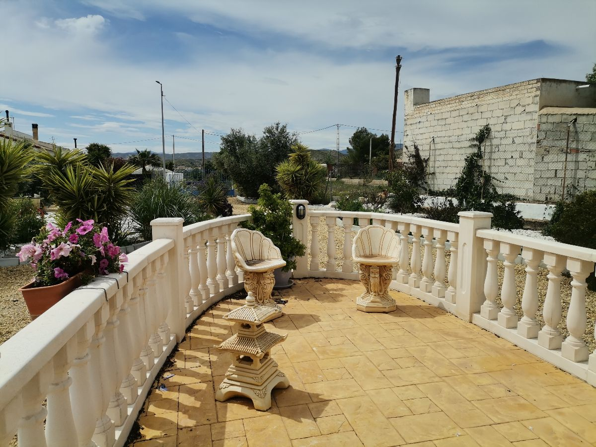 For rent of villa in Albox
