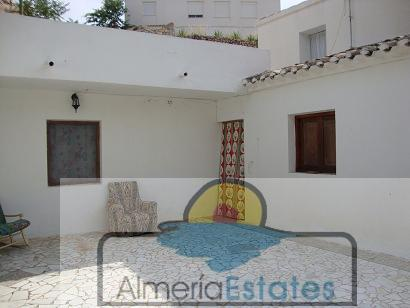 For sale of villa in Oria