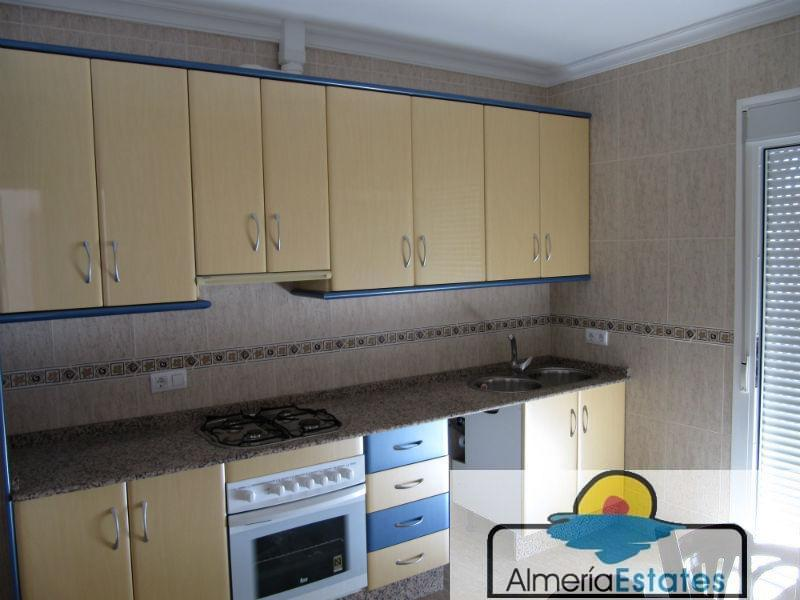 For sale of flat in María
