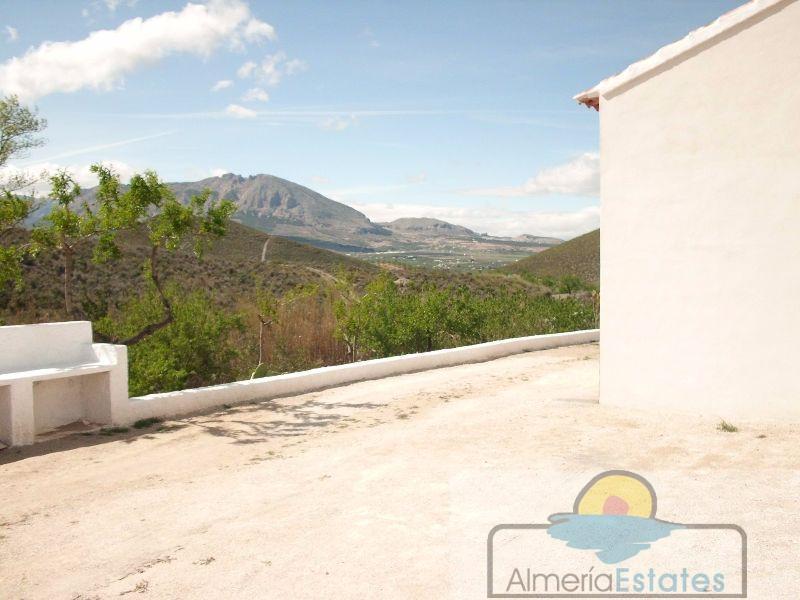 For sale of villa in Vélez-Rubio