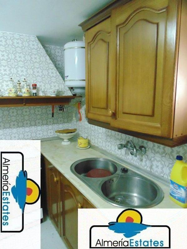 For sale of house in Lubrín