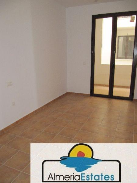 For sale of flat in Vélez-Blanco