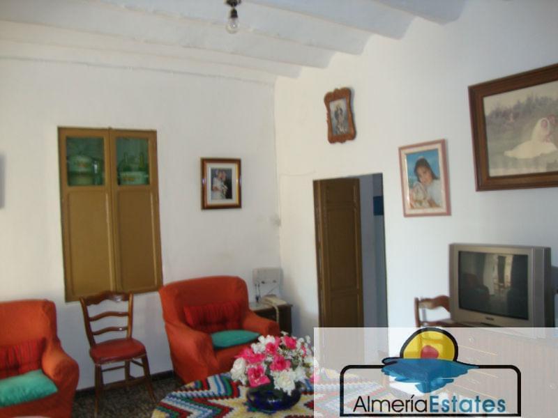 For sale of villa in Oria