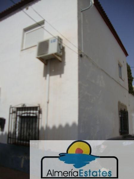 Venta de casa en Taberno