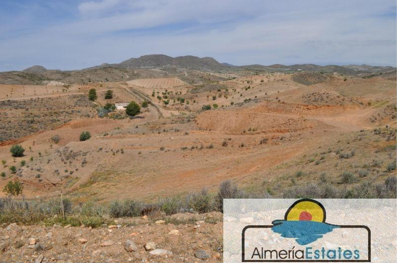 For sale of rural property in Taberno