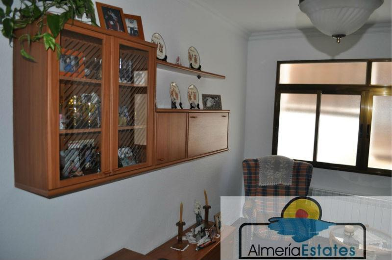 For sale of house in Purchena