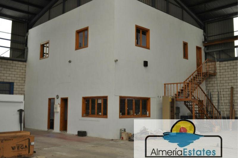 For rent of commercial in Olula del Río
