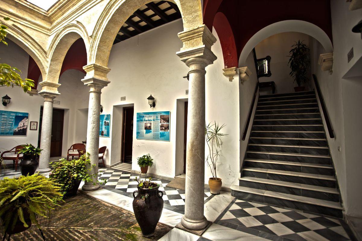 Продажа от   Оteли на El Puerto de Santa María
