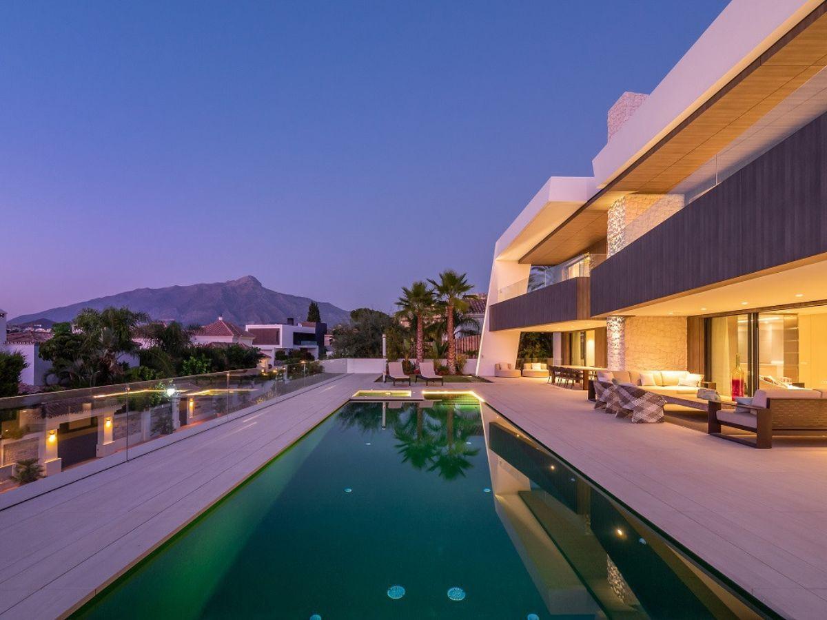 Продажа от   Виллa на Marbella