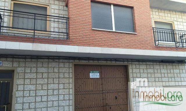 For sale of house in Tarazona de la Mancha
