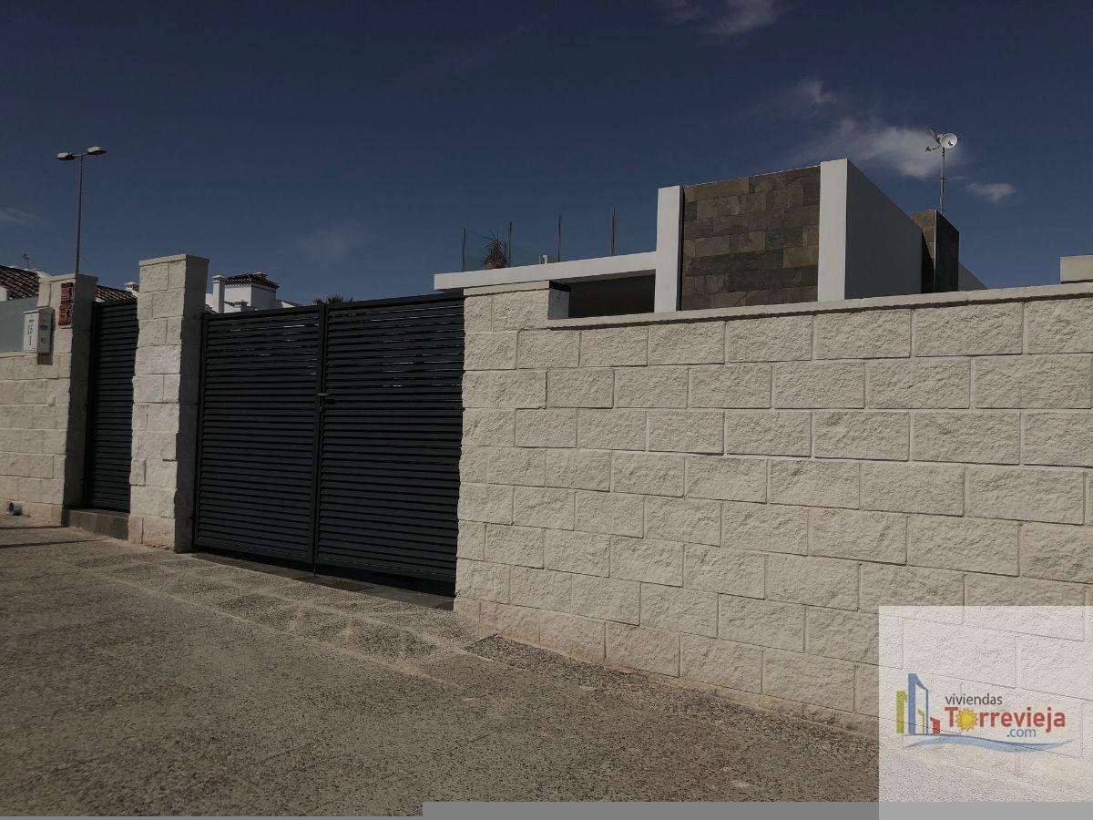 Venta de villa en Orihuela Costa