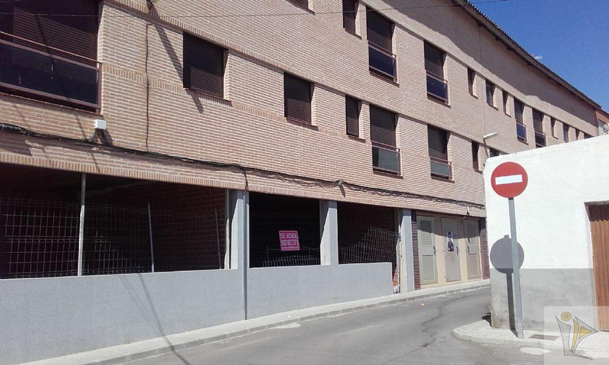 For sale of commercial in Magán