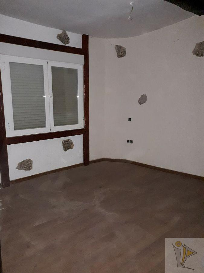 For sale of house in Sacedón