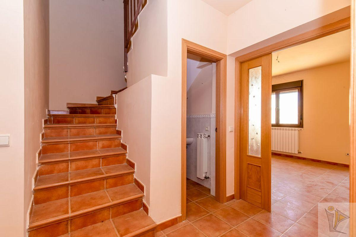 For sale of chalet in Rielves