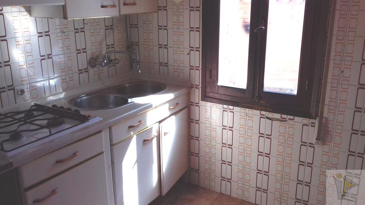For sale of flat in Polán