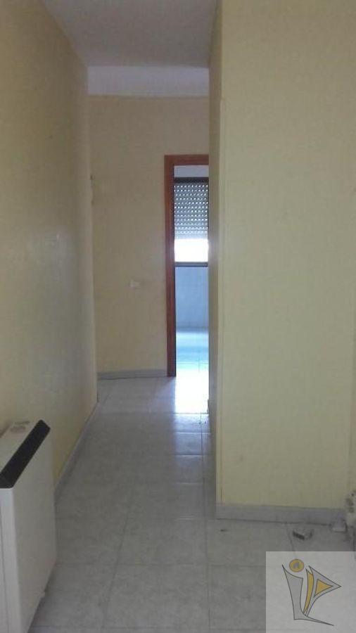 For sale of flat in La Puebla de Montalbán