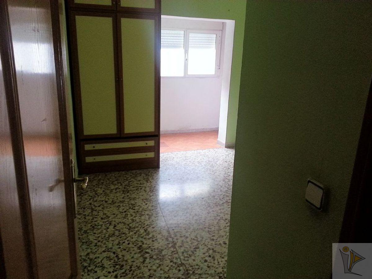 For sale of flat in Olías del Rey