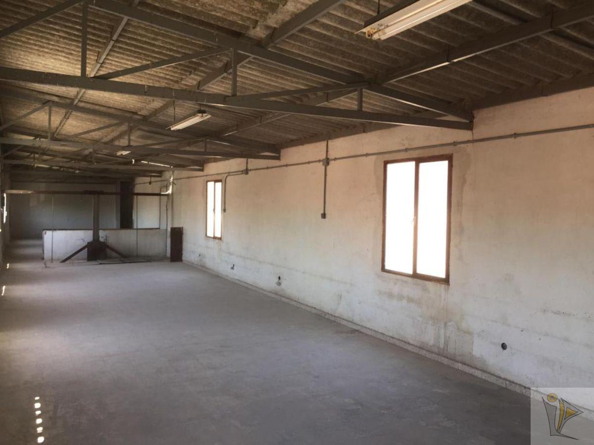 For sale of industrial plant/warehouse in San Martín de Valdeiglesias
