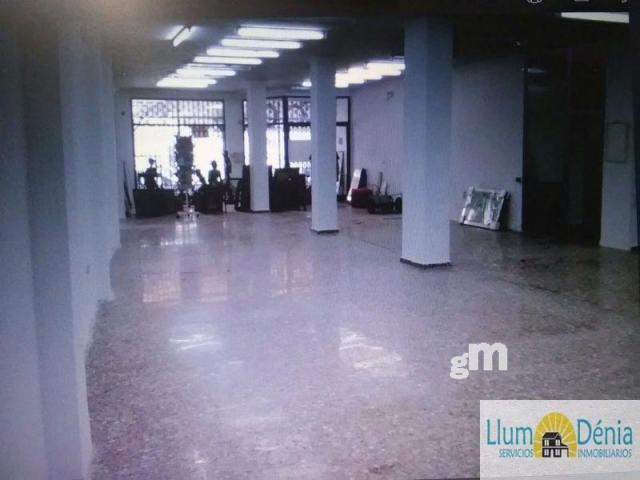 For rent of commercial in Denia