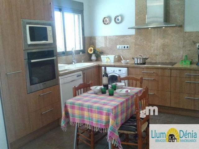 For rent of chalet in Denia