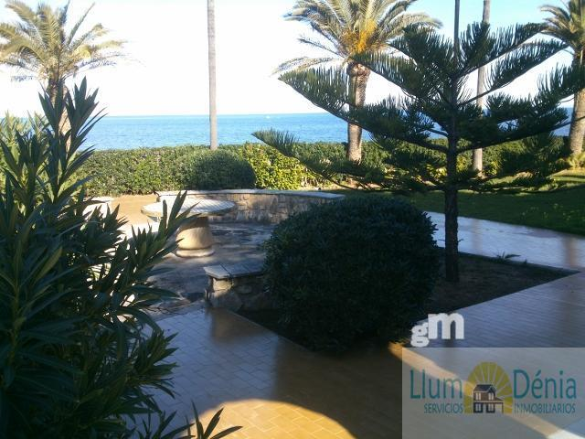 For sale of chalet in Denia