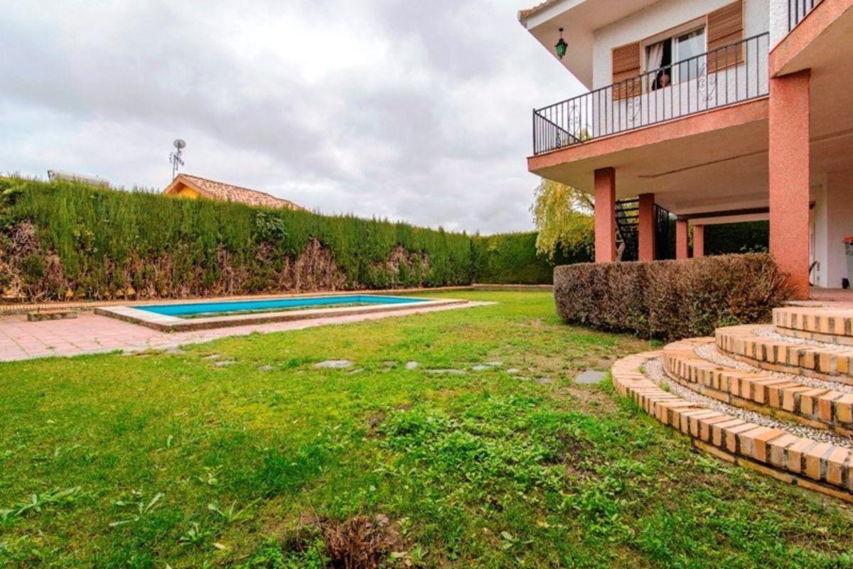 For sale of chalet in La Zubia