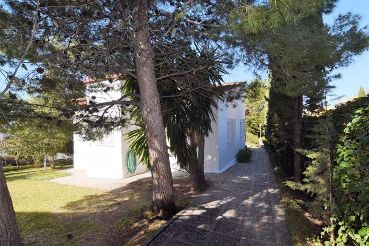 For sale of chalet in Huétor Vega