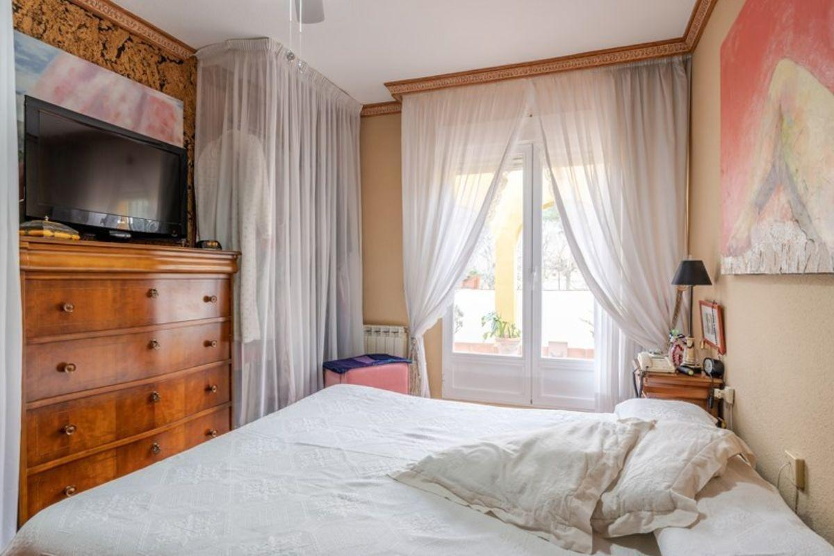 For sale of chalet in Padul