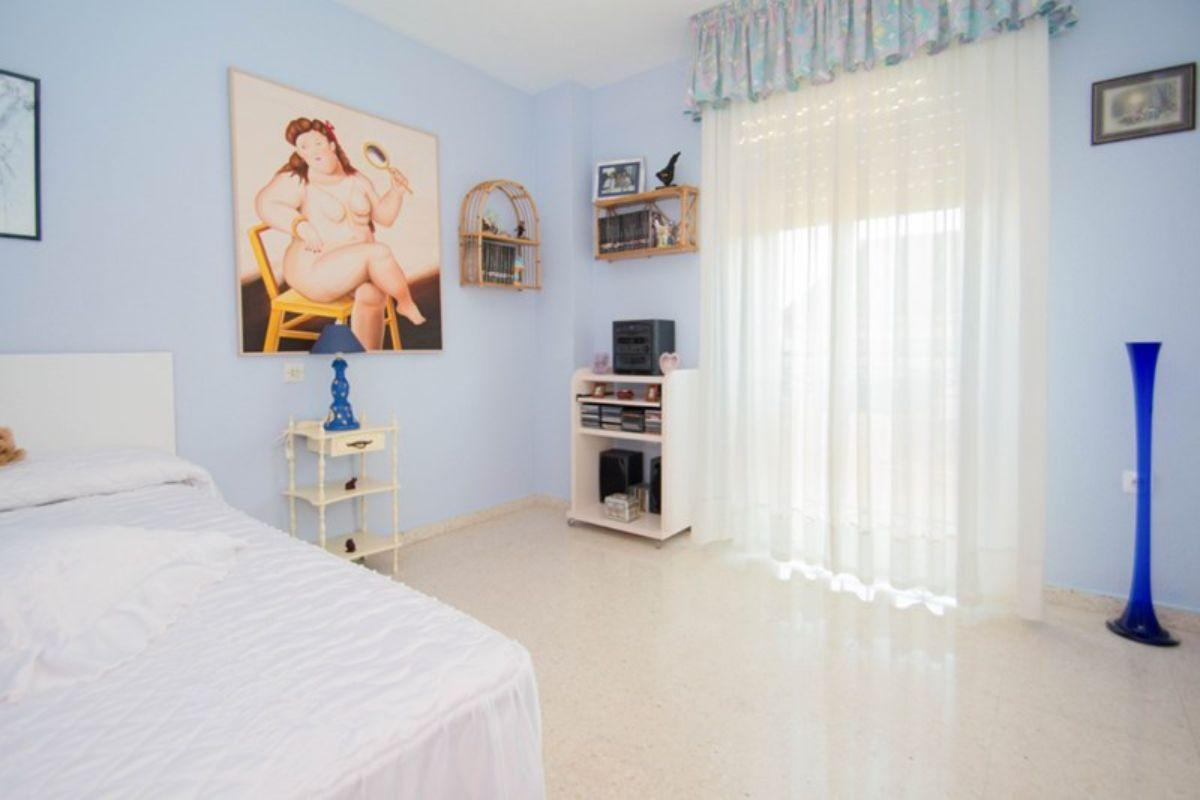 For sale of flat in Huétor Vega