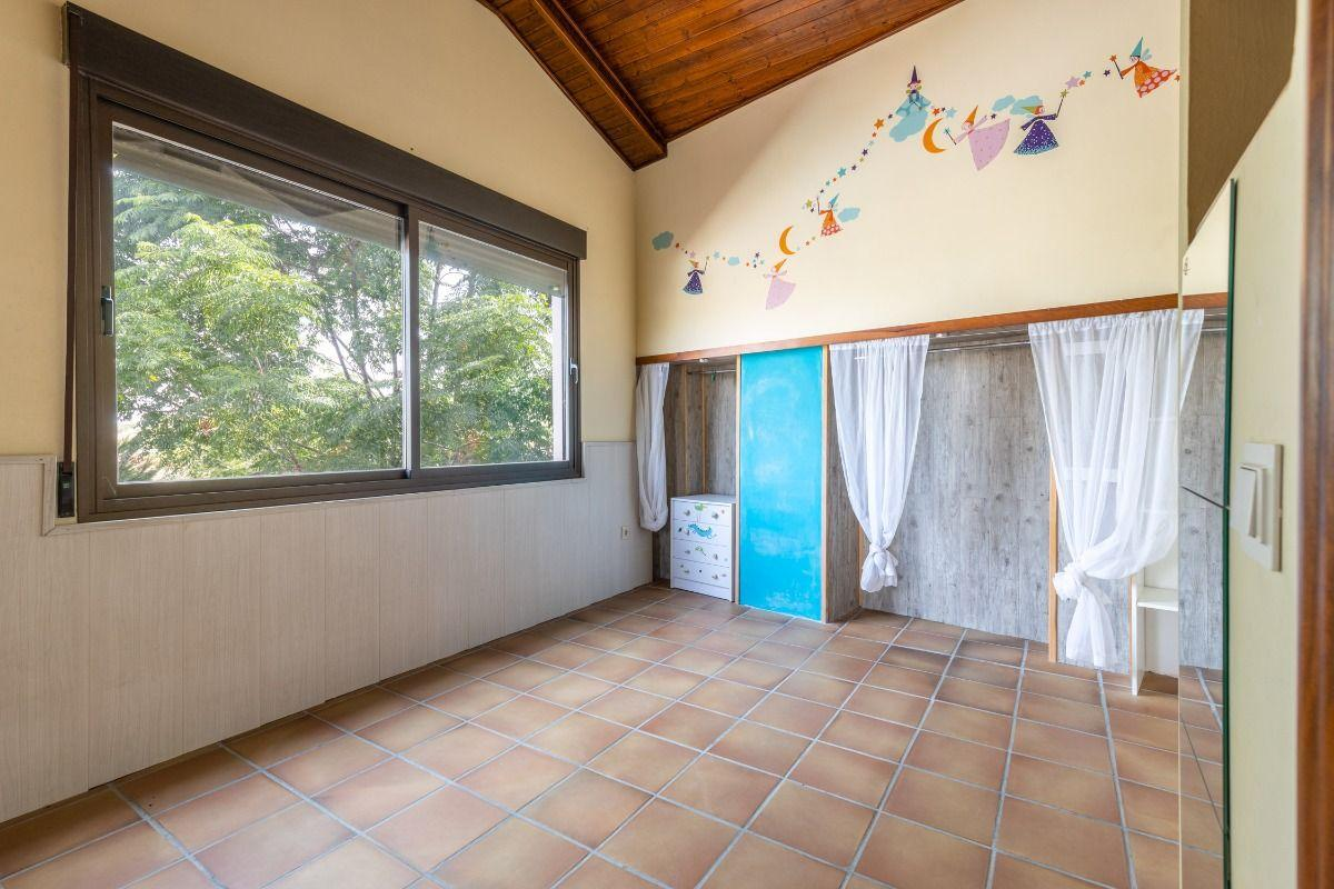 For sale of chalet in Albolote
