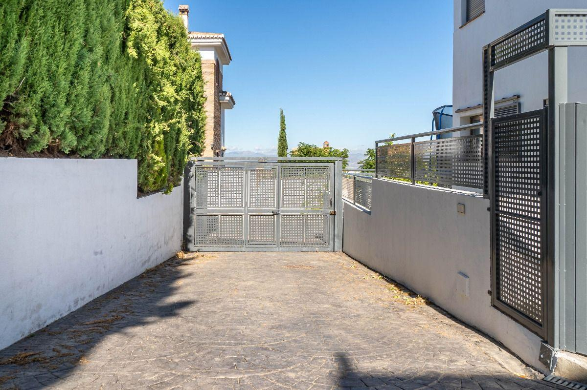 For sale of house in Monachil