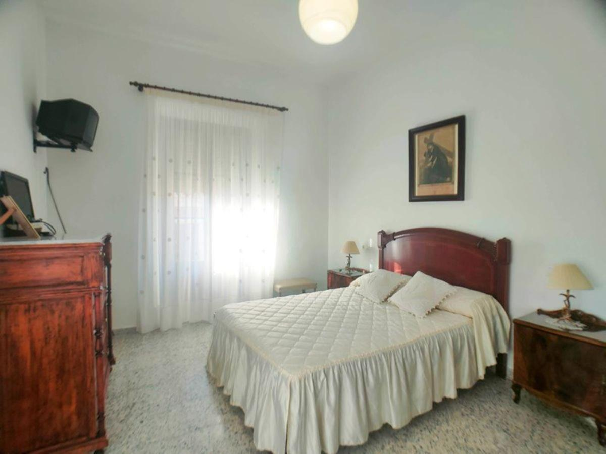 For sale of house in Chimeneas