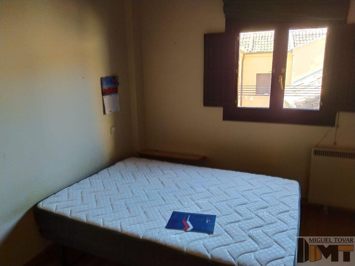 For rent of apartment in Segovia